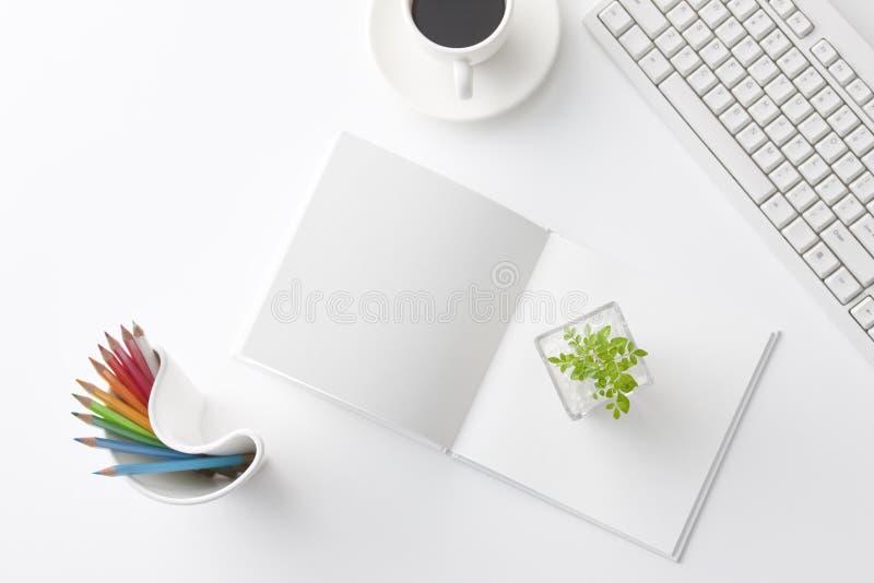 Büroschreibtisch lizenzfreie stockbilder