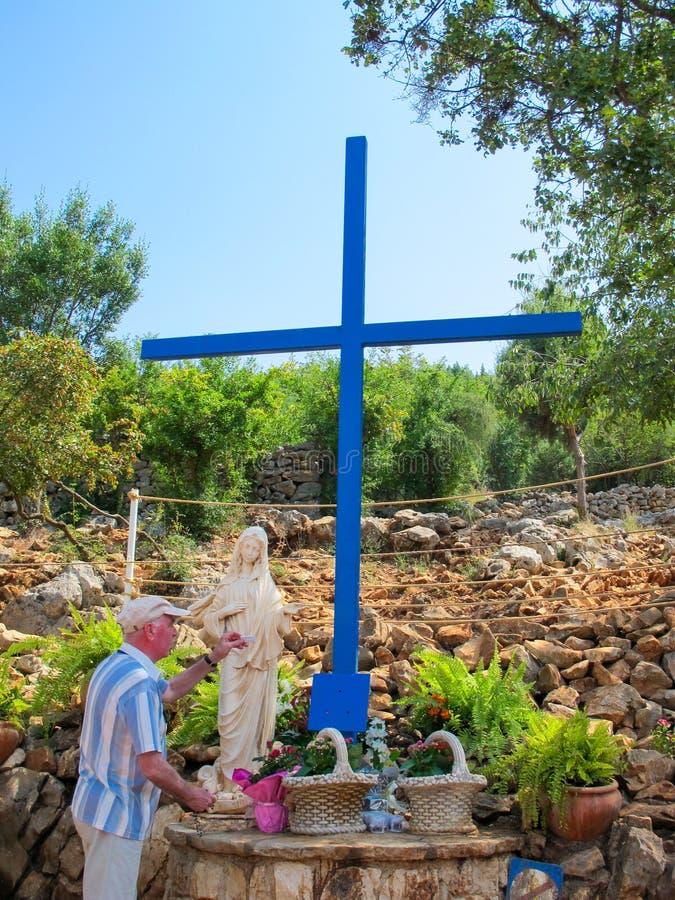 Błękita krzyż, Apparition wzgórze, Medugorje, Bośnia i Herzegovina, zdjęcie stock
