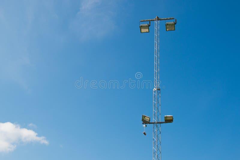 Download Błękita Niebo Z Butami W Latarni Obraz Stock - Obraz złożonej z ucho, mężczyzna: 53779721