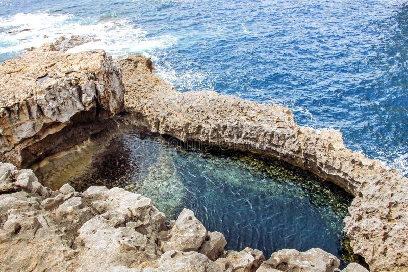 błękitna dziura w gozo Malta obrazy royalty free