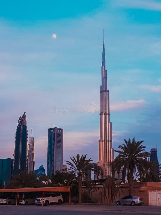 Błękitna godzina przy Burj Khalifa zdjęcia royalty free
