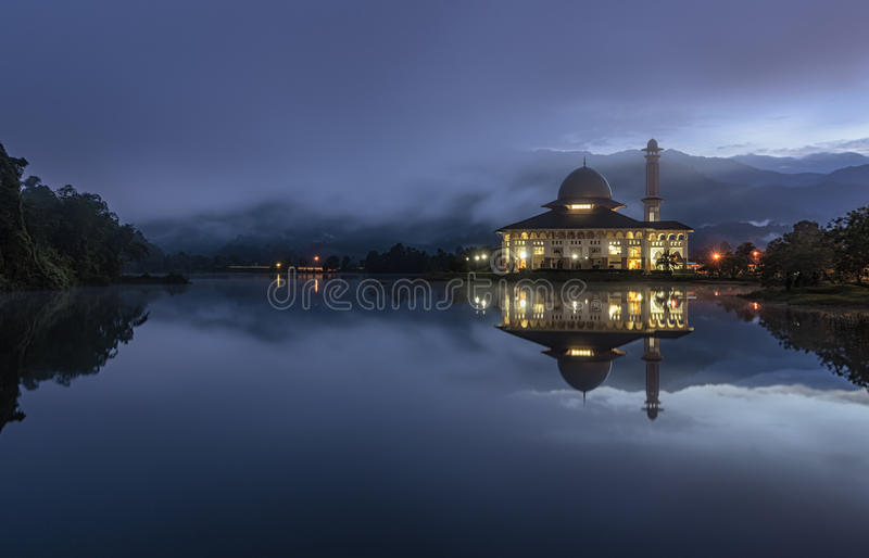 Błękitna godzina przy Darul koranem zdjęcia royalty free