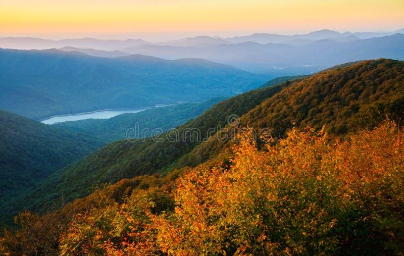 Błękitna grani Parkway jesień Przegapia fotografia stock