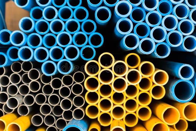 Błękitna i żółta wodna drymba odizolowywa na tle zdjęcia royalty free