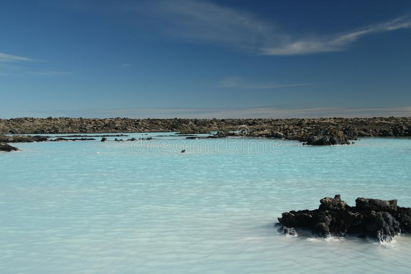 Błękitna laguna Grindavik Bláa Lónið - błękitni kolorów komesi od krzemianów odbija światło, Iceland zdjęcia stock