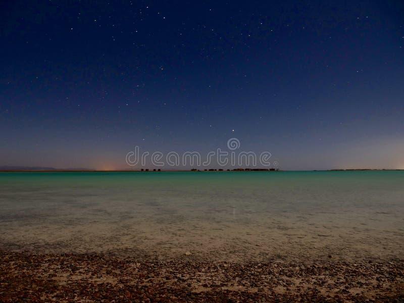 Błękitna laguny Egipt Synaj księżyc w pełni fotografia stock