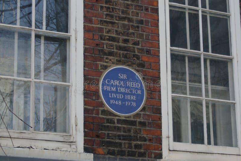 Błękitna plakieta upamiętnia Sir Carol Reed fotografia royalty free