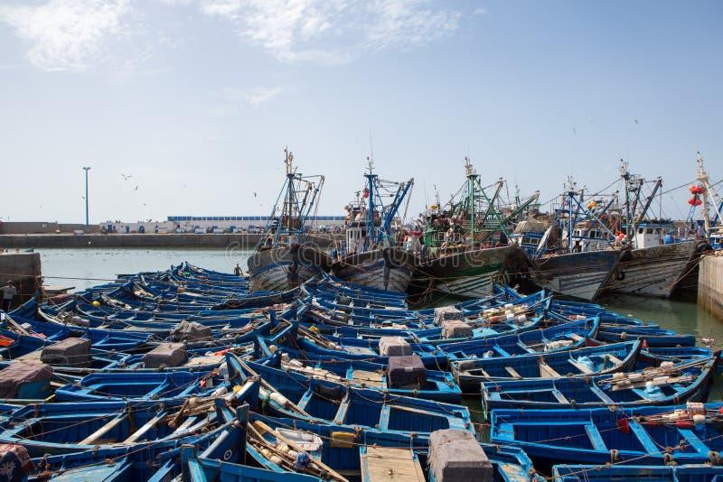 Błękitne łodzie rybackie w schronieniu Essaouira zdjęcie stock