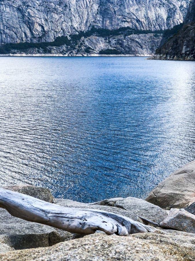Błękitne Brzmienie góry i jezioro zdjęcie royalty free