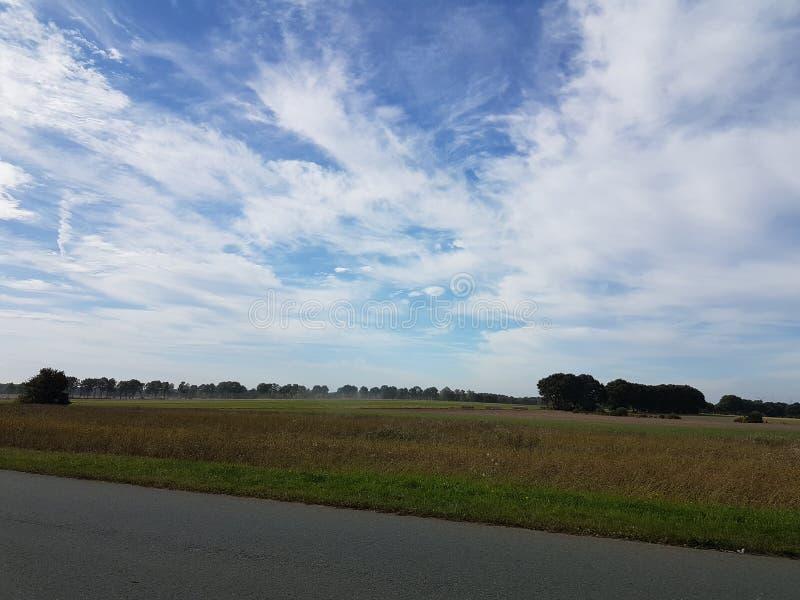 błękitne niebo obraz royalty free