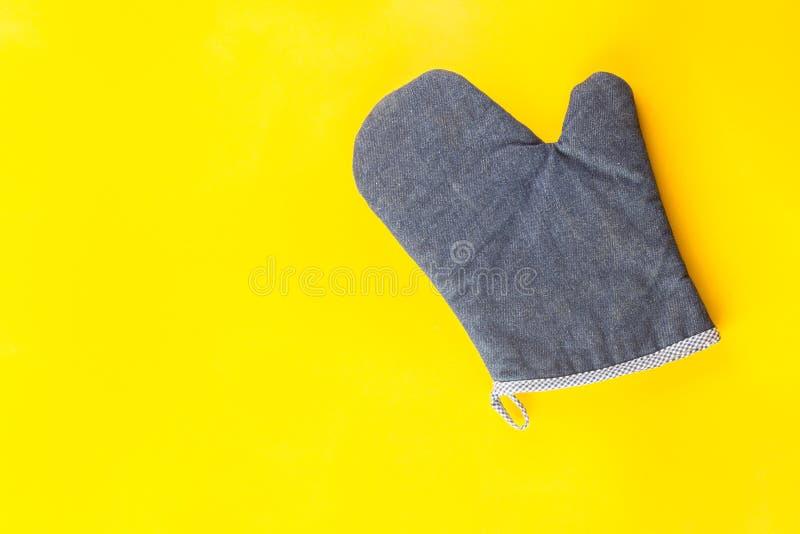 Błękitne piekarnik rękawiczki zdjęcia stock
