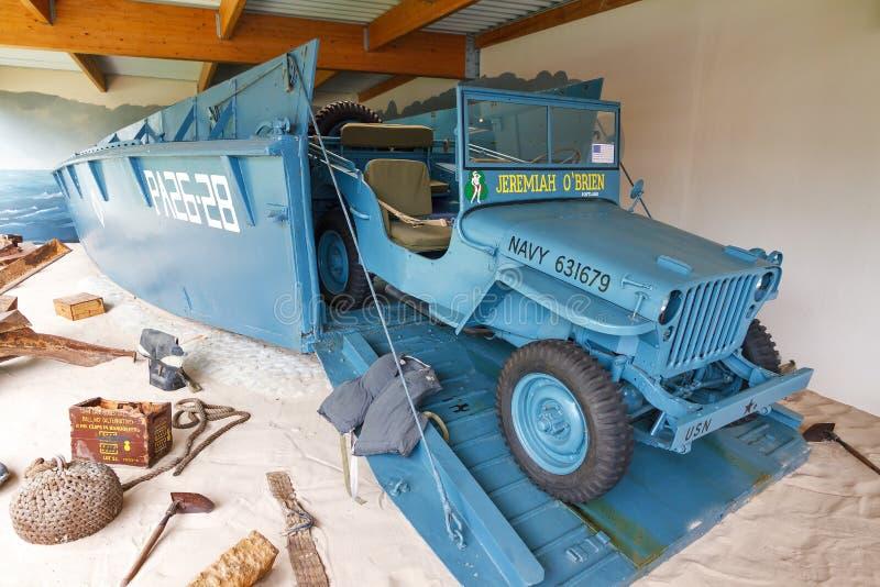 Błękitnego usa desantowy rzemiosło z pojazdem zdjęcie royalty free