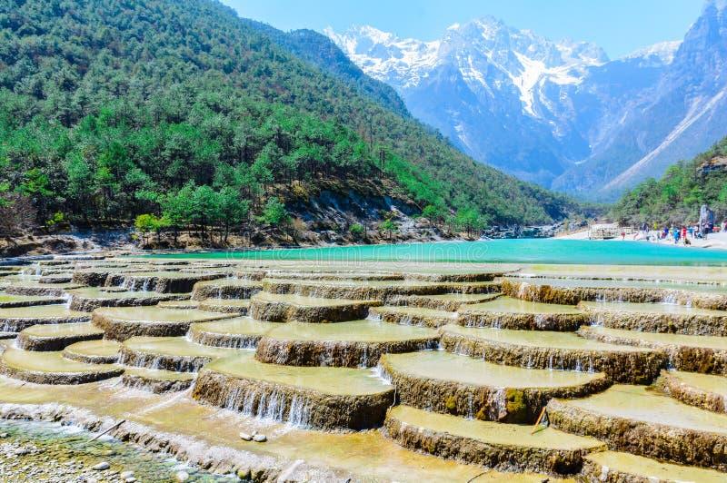 Błękitnej księżyc dolina w lijiang mieście yunan, Chiny zdjęcie stock