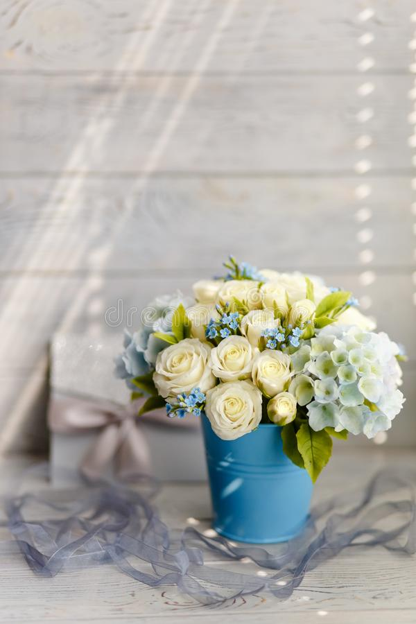 Błękitni i biali ślubów kwiaty zdjęcia stock