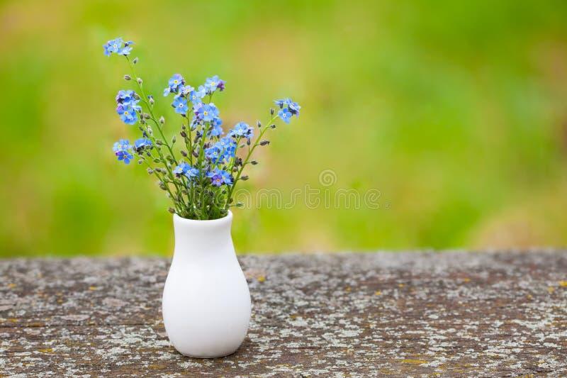 Błękitni mali kwiaty obraz stock