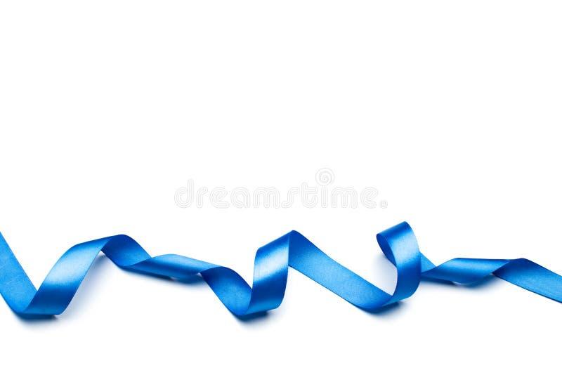 Błękitny atłasowy faborek odizolowywający na białym tle ilustracji