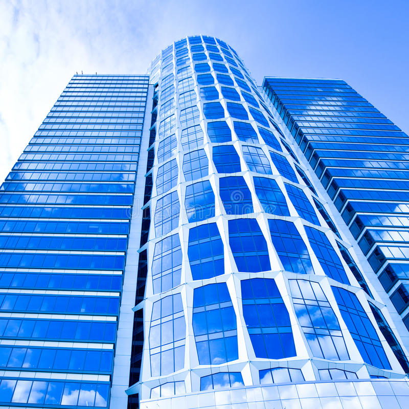 błękitny biznesowy szklany nowy drapacz chmur fotografia royalty free