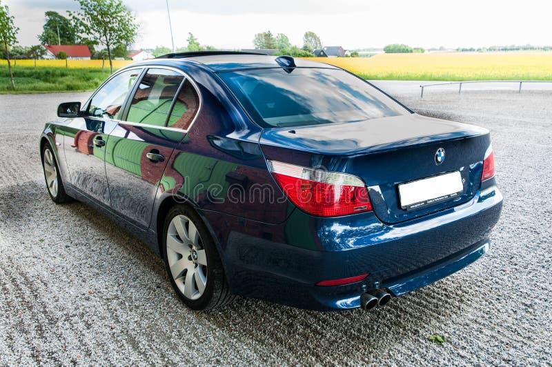 Download Błękitny BMW E60 545 i obraz stock editorial. Obraz złożonej z najlepszy - 57670724