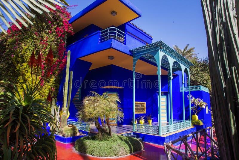 Błękitny budynek w Majorelle zdjęcia stock