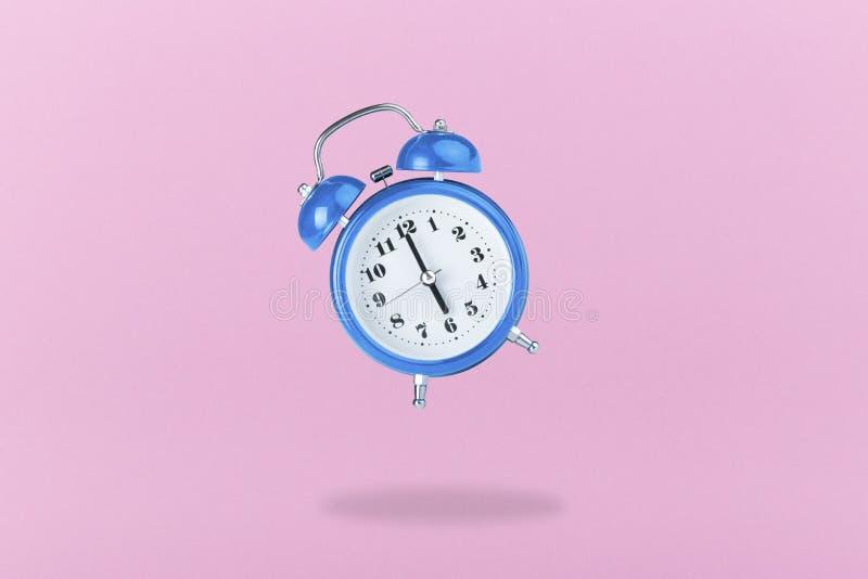 Błękitny budzik zdjęcie stock