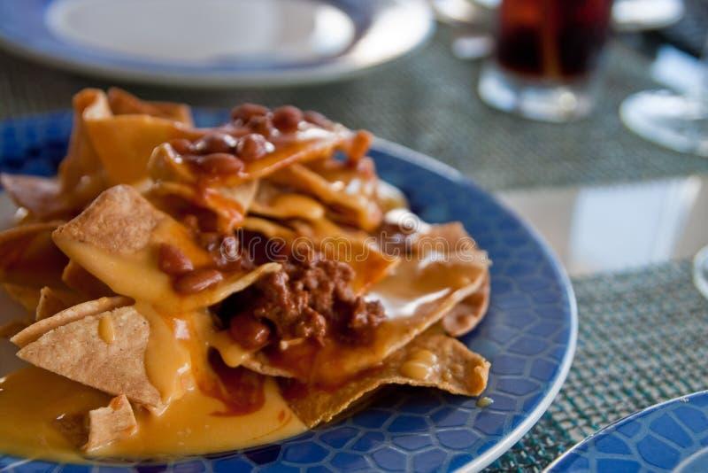 błękitny chili nachos talerz obrazy stock