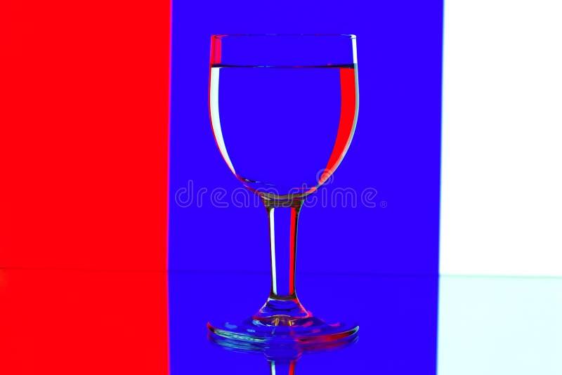 błękitny domina szkieł biały wino obrazy stock