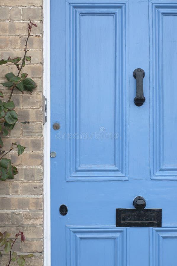 błękitny drzwiowych anglików domowy wiktoriański zdjęcie stock