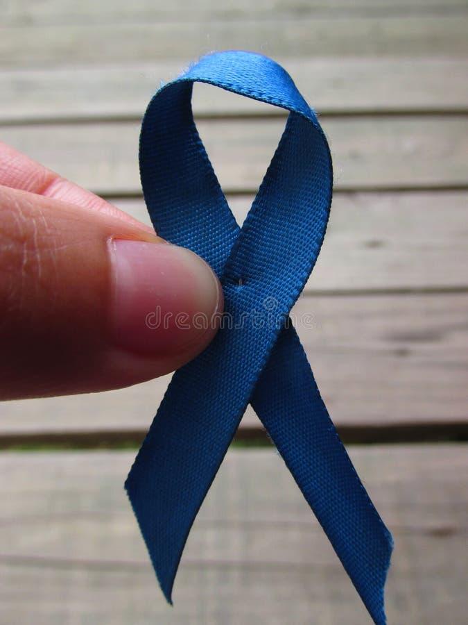 Błękitny faborek dla rak prostaty kampanii informacyjnej obrazy stock