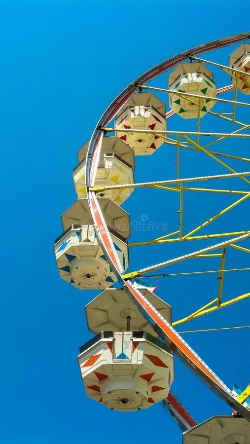 błękitny ferris nieba koło fotografia stock