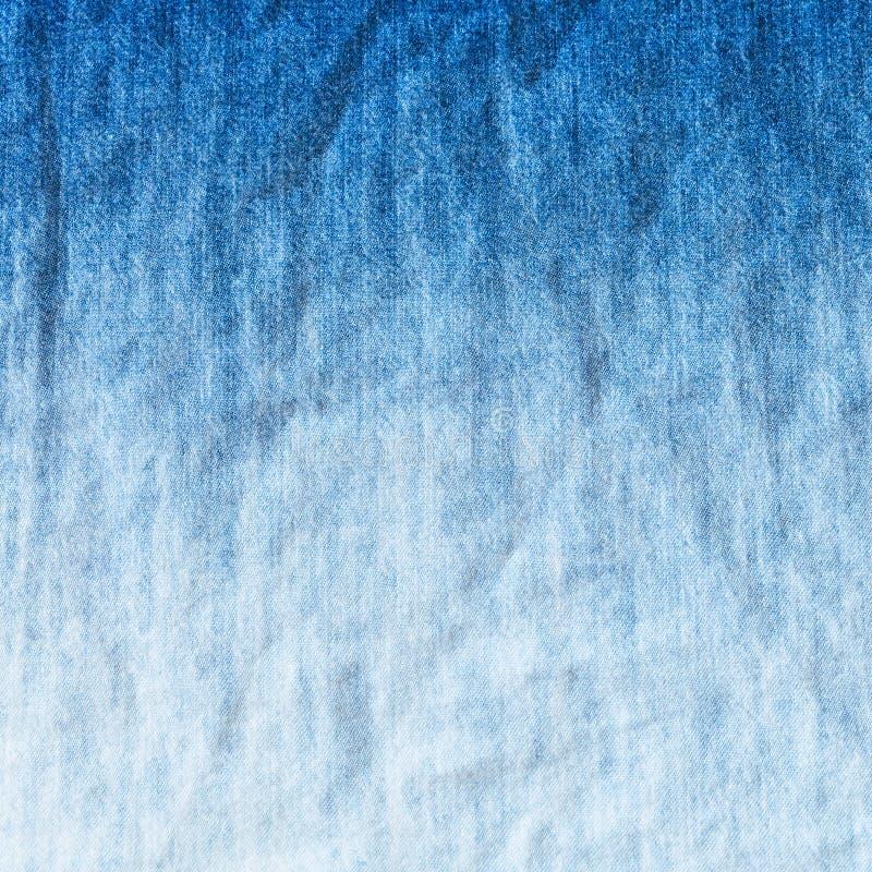 Błękitny i biały gradient na drelichowym cajgu zdjęcie stock