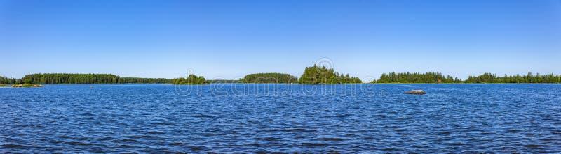 Błękitny morze bałtyckie w Szwecja obrazy royalty free