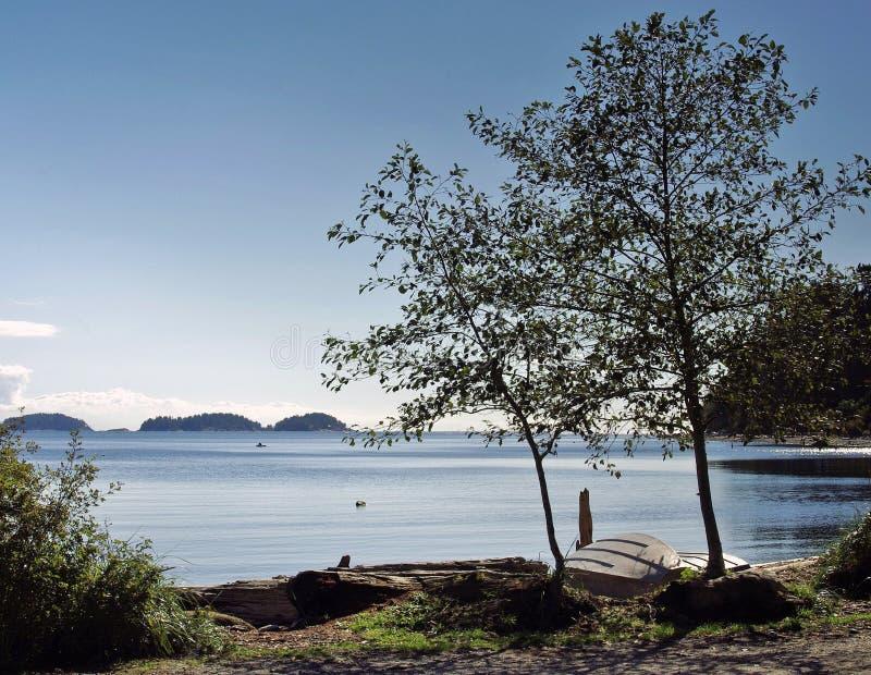 Błękitny morze na pogodnym jesień dniu fotografia stock