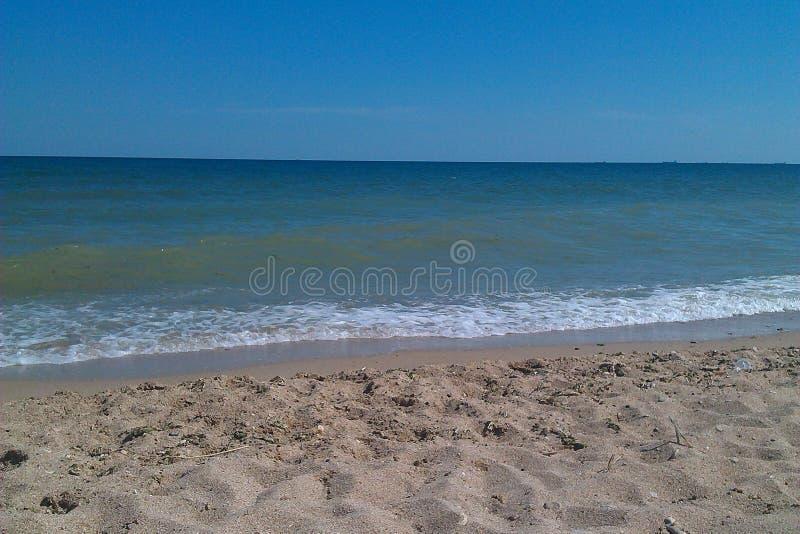 Błękitny morze, niebieskie niebo obraz royalty free