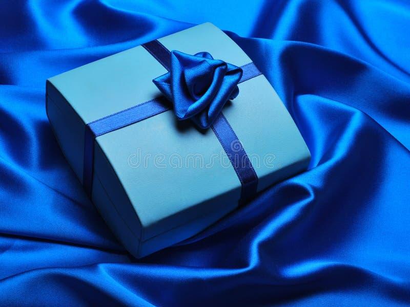 błękitny prezent obraz stock