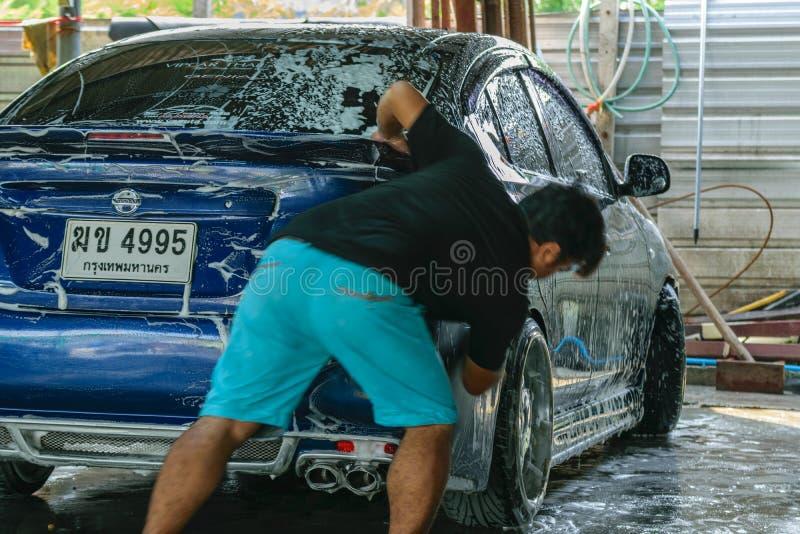 Błękitny samochodowy domycie fotografia stock