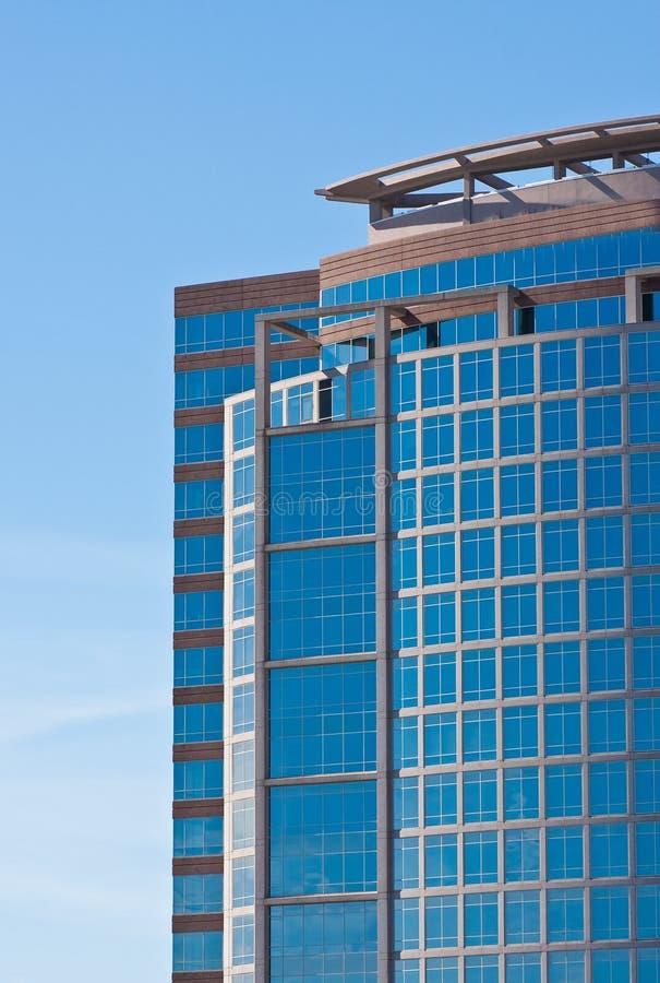 Download Błękitny Szklany Nowożytny Biura Dachu Wierza Zdjęcie Stock - Obraz złożonej z city, budynki: 13328072