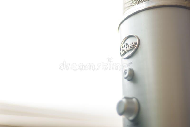 Błękitny yeti USB mikrofonu logo zdjęcie stock