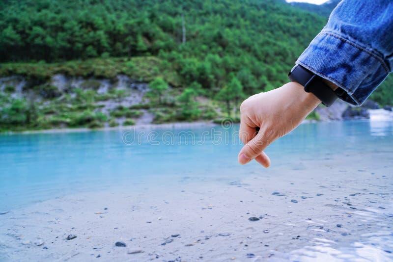 Błękitny zgłębiający jezioro obraz royalty free