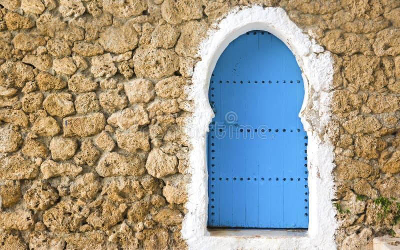 Błękity malujący drzwi zdjęcia stock