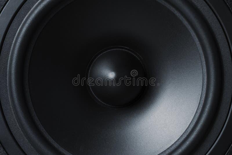 Błona rozsądny mówca na czarnym tle, zamyka up zdjęcie stock