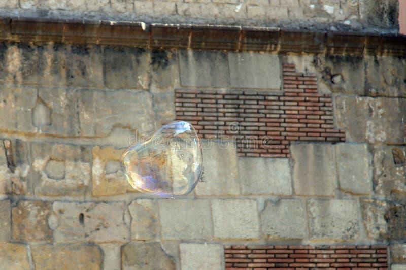 Błyszczący delicated bąbel w powietrzu wciąż outdoors fotografia royalty free