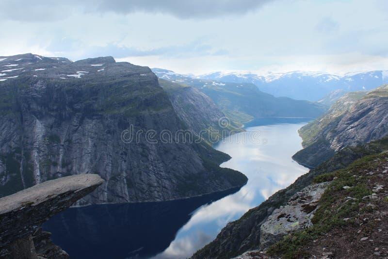Błyszczka jęzor (norw Trolltunga) zdjęcie royalty free