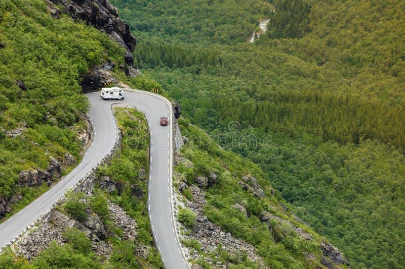 Błyszczki ścieżki Trollstigen halna droga w Norwegia zdjęcia royalty free