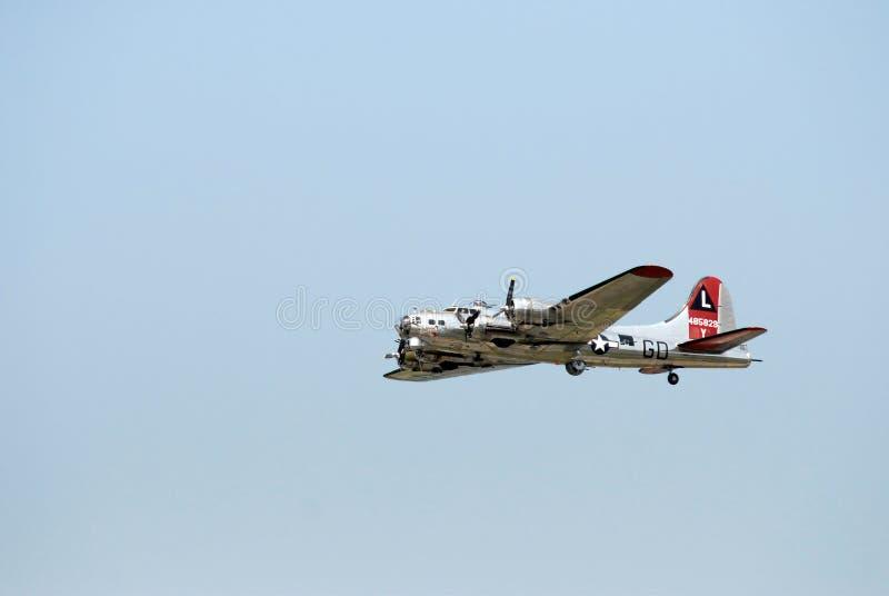 B-17飞行堡垒在一好日子 免版税库存图片