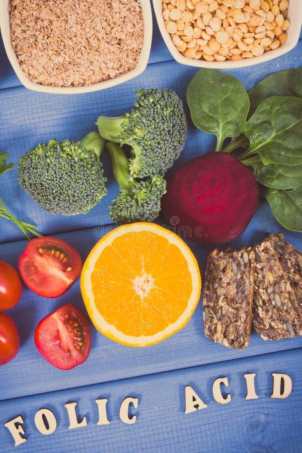 葡萄酒照片,包含维生素B9和饮食纤维,健康营养概念的滋补产品 库存照片
