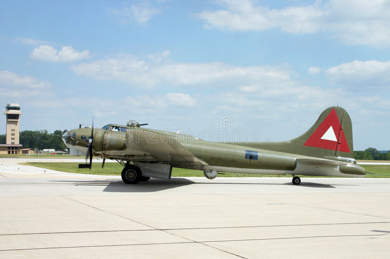 Download B-17 On The Runway Royalty Free Stock Images - Image: 6189159