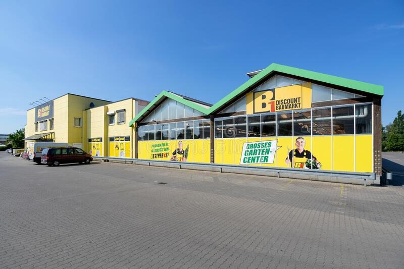 B1 Discount hardware store in Güstrow, Germany. stock images