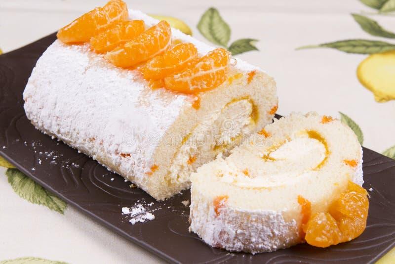 Download Bûche orange photo stock. Image du éponge, servi, gourmet - 56490718
