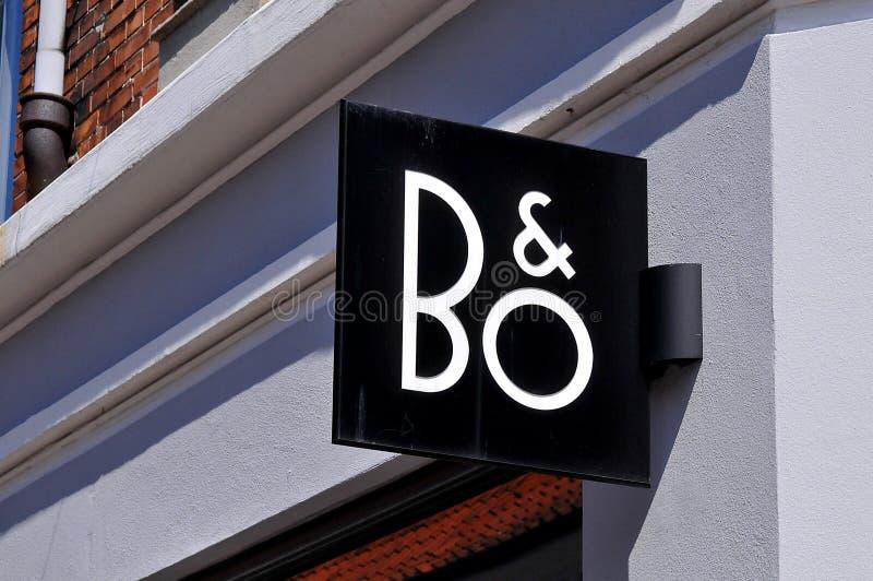 B&O轰隆和Olufsen收音机和电视商店在丹麦 库存图片