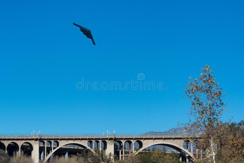 B2 podstępu bombowiec flyover Kolorado ulicy most w Pasadena, Kalifornia zdjęcie royalty free